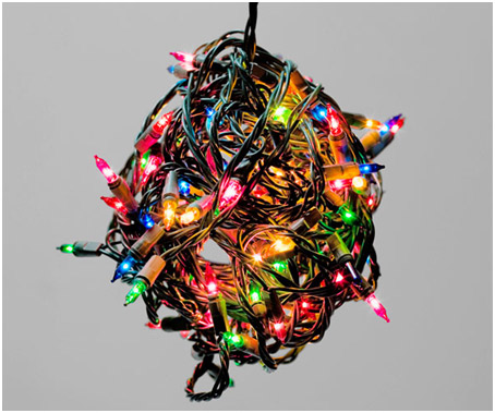 How to (SAFELY) Hang your Christmas Lights